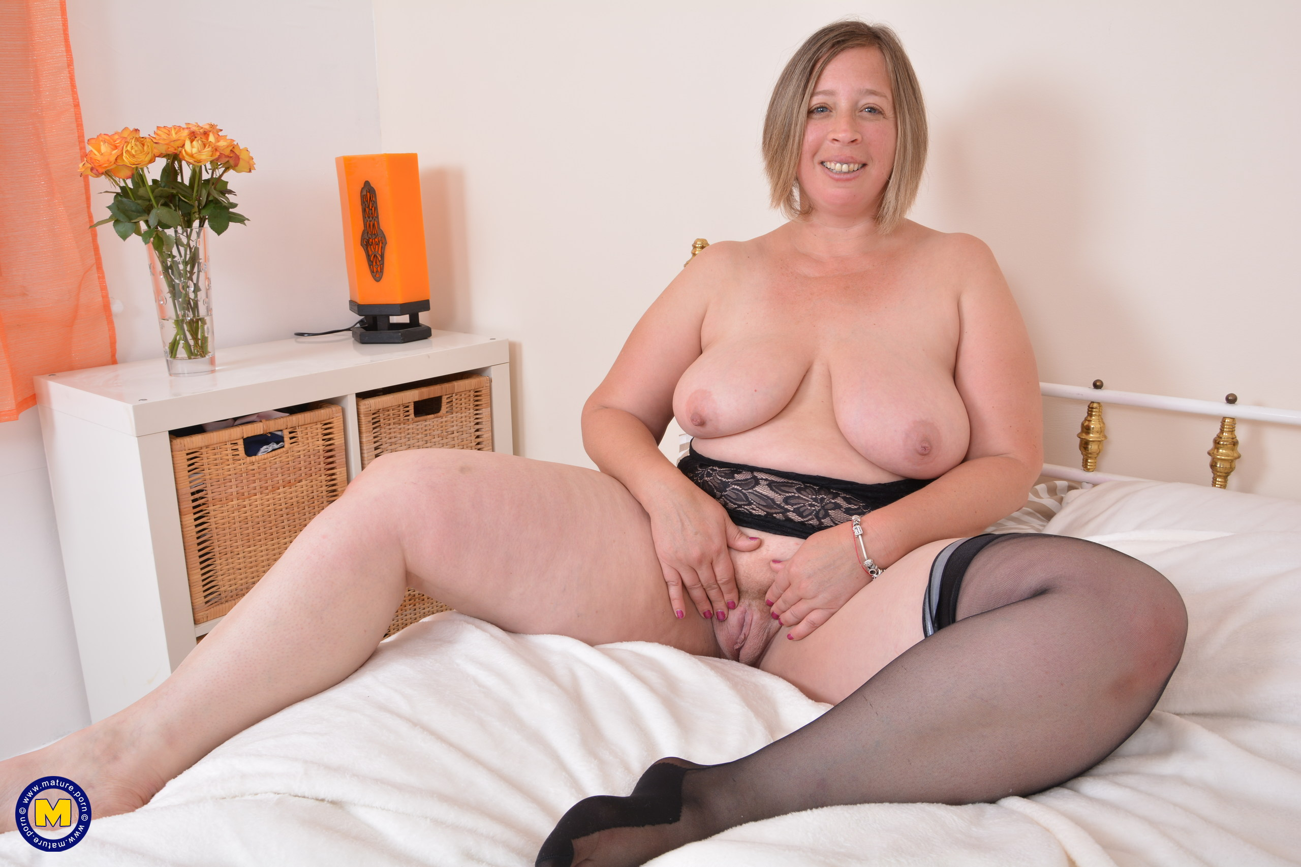 Mature British Housewife Porn